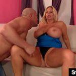 Porno com Milf Loira Peituda