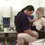 Novinha de 18 anos dando a buceta para o professor